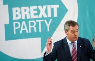 Boost for Boris Johnson as Nigel Farage says Brexit Party won't stand in Conservative seats