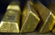 There's one major reason why you shouldn't sell gold right now, strategist says